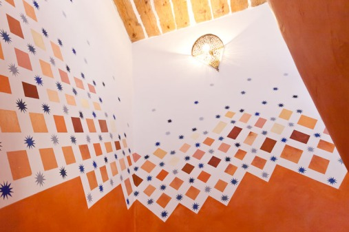 Montée d'escalier: décor peint