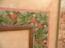 """Frise """"fleurs d'orangers""""sur cheminée."""
